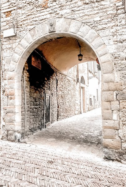 citta alta archway