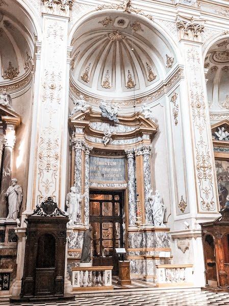 citta alta church interior