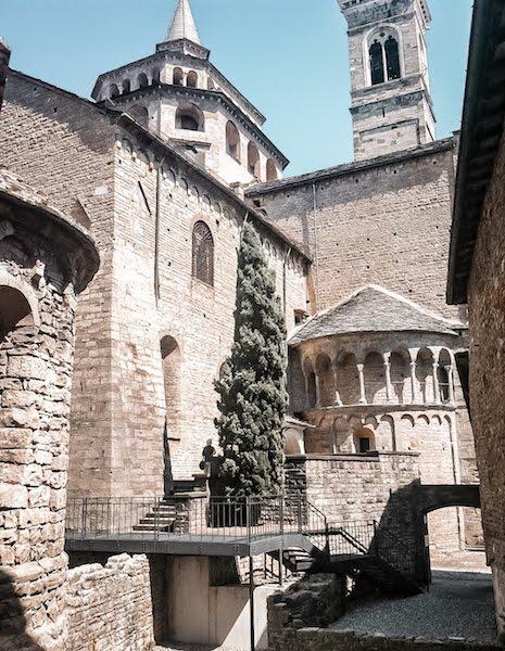 citta alta church side view