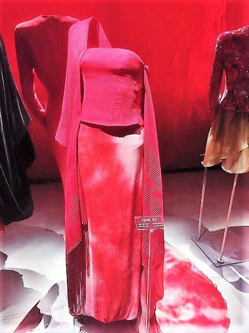 Armani/Silos, Milan pink and red display