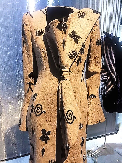 detail suit picture GA