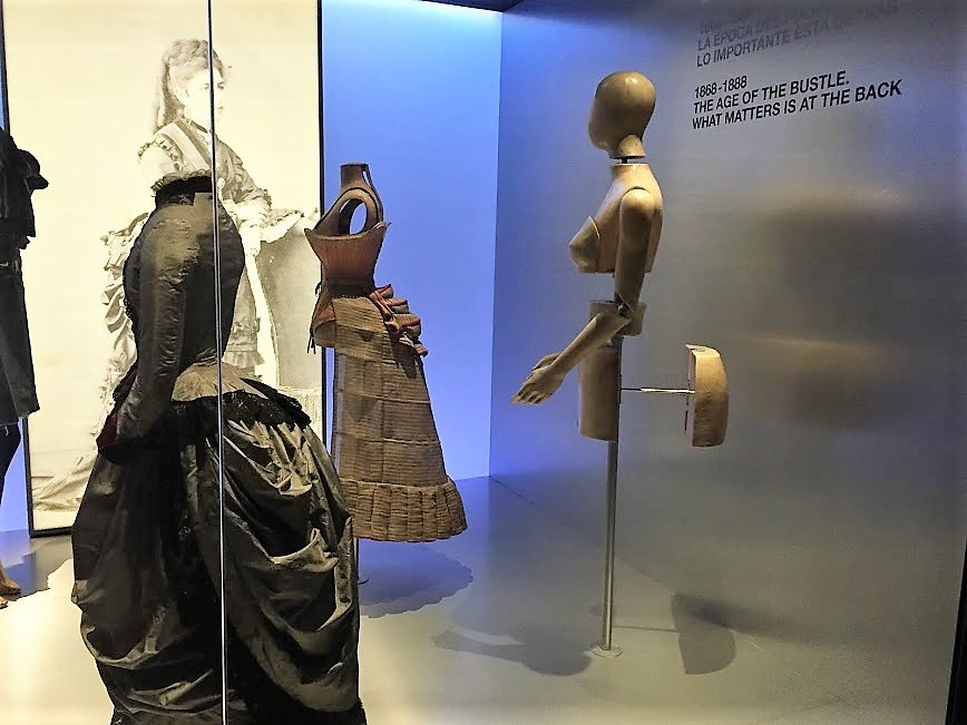 mannequins display old fashion