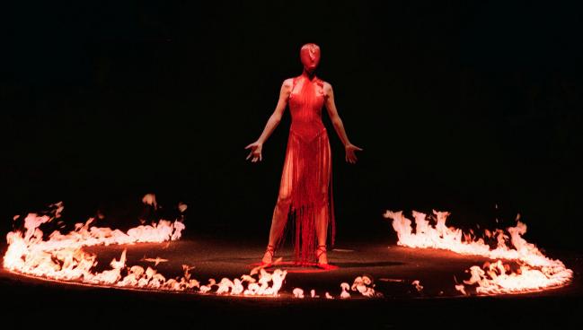 Alexander McQueen Fashion Show