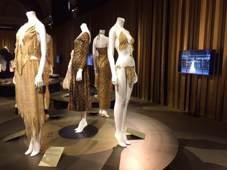dalida gold dresses mannequins