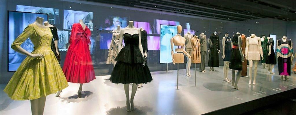 fashion show display exhibit