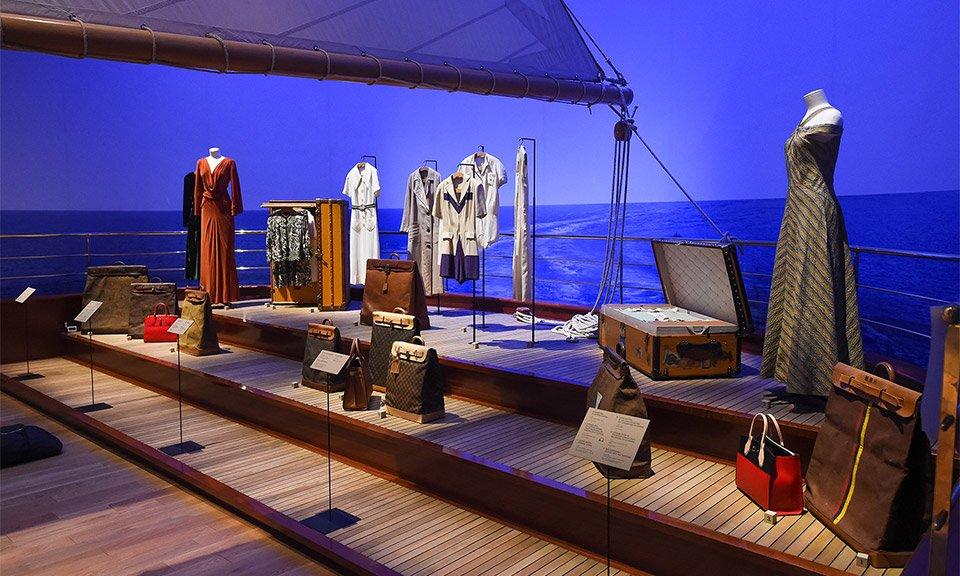 louis-vuitton-volez-voguez-voyagez-exhibition-nyc-000