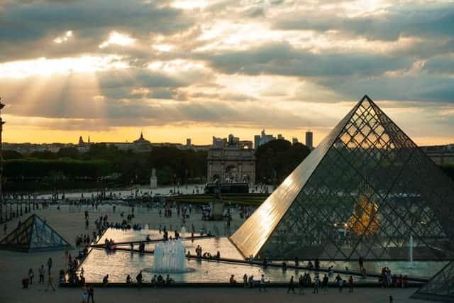 Louvre Museum Paris Virtual Tour Covid19